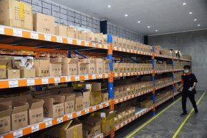 Produk Kesehatan dan KecantikanJet Commerce Fulfillment Center Warehouse Temperature Controlled Storage Area