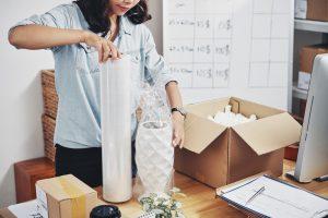 Tips Packing Aman untuk Bisnis E-commerce Anda