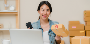 5 Cara Efektif Tingkatkan Loyalitas Online Customer dengan Metode Sisipan Paket - Packing order